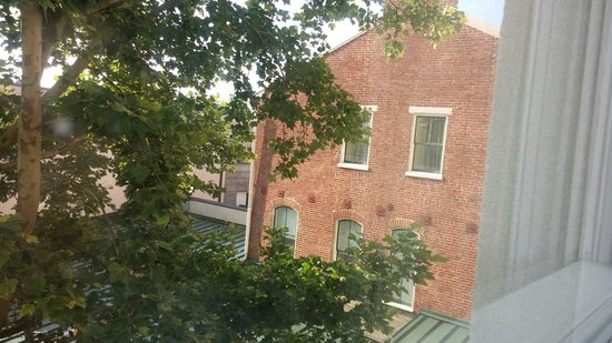 Gettysburg Hotel: View from room 303. Tranquil for our family with young kids.
