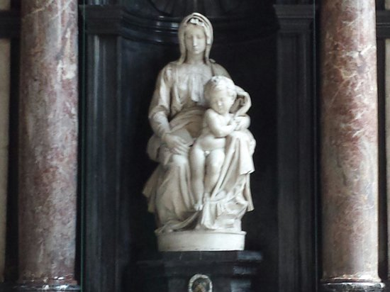 Église Notre-Dame (Onze Lieve Vrouwekerk) : Madonna di Michelangelo