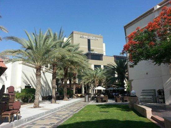 Le Meridien Dubai Hotel & Conference Centre : Hotelansicht