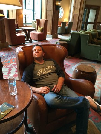Park Hyatt Beaver Creek Resort and Spa : Rainy Day Lounging In Lobby