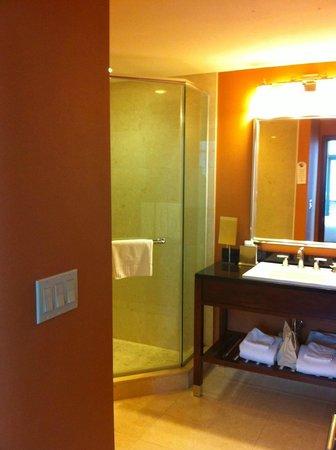 Bostonian Boston: Bathroom