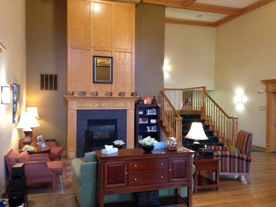 Country Inn & Suites By Carlson, Kenosha: Lobby @ Kenosha Country Inn & Suites