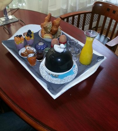 Prince Henry, Private Suites and Gardens: Breakfast