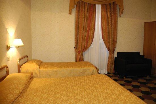 Hotel Labelle: Triple Room
