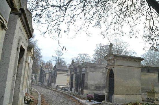 Friedhof Père-Lachaise (Cimetière du Père-Lachaise): Mañana de niebla