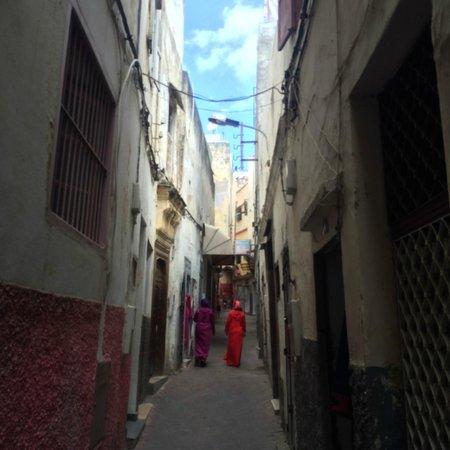 Tangier Casbah : Typical Tangier street scene