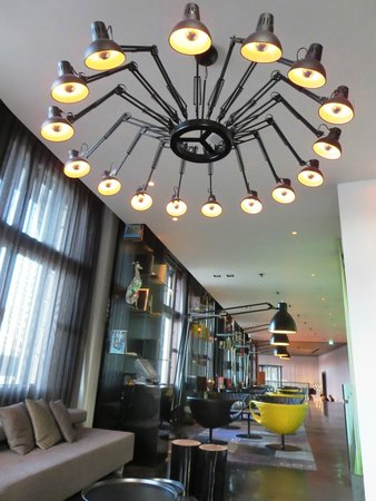 Art'otel Amsterdam: Sala de Convivência