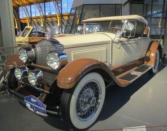 Autoworld : Very elegant Packard