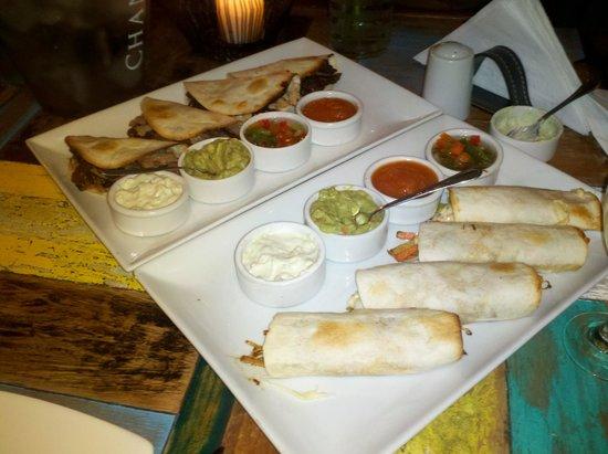 Aniceto Coffee Bar & Grill: Tacos con salsas ...impresionante !