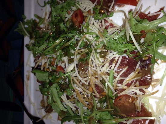Que Pasa Restaurant Bar & Art Gallery: Beef Carpaccio Appetizer