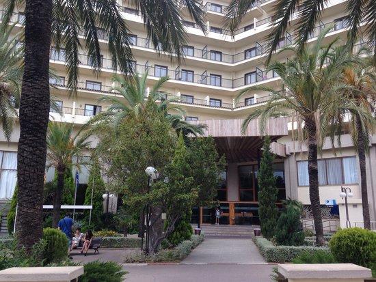 Hotel Intur Orange: El exterior
