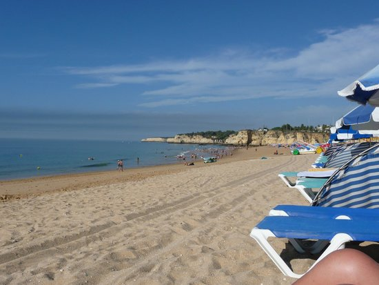 Holiday Inn Algarve - Armacao de Pera: Wow what a beach