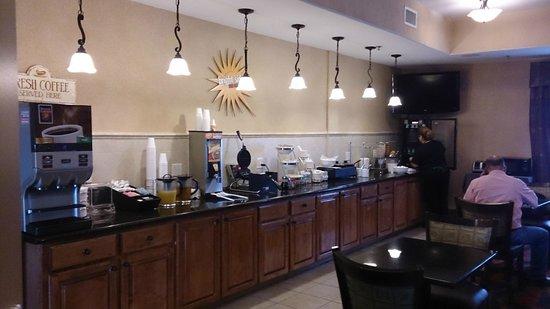 La Quinta Inn & Suites Houston Bush Intl Airport E: Café da manhã