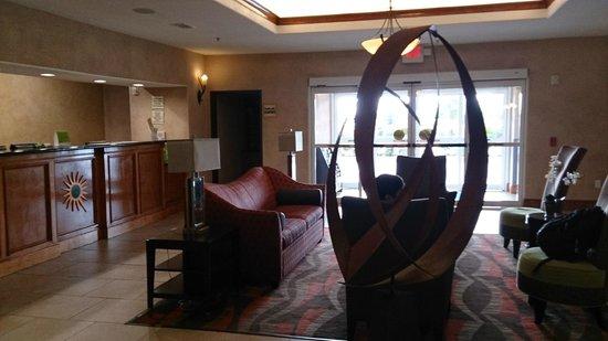 La Quinta Inn & Suites Houston Bush Intl Airport E : Lobby