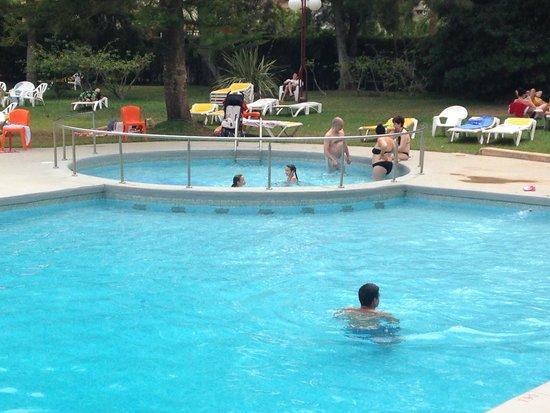 Hotel Intur Orange: Piscinas