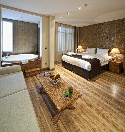 Triada Hotel: Double Room With Spa Bath