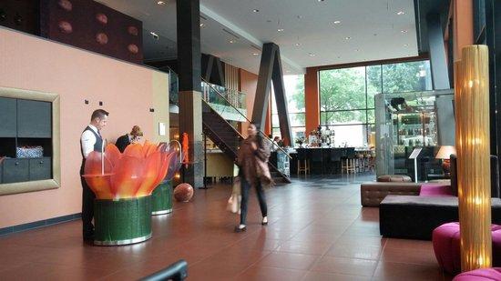 Inntel Hotels Art Eindhoven: Hall dell' hotel