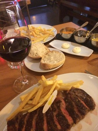 Parrilla del Mago: Entrecôte with chips-very tasty