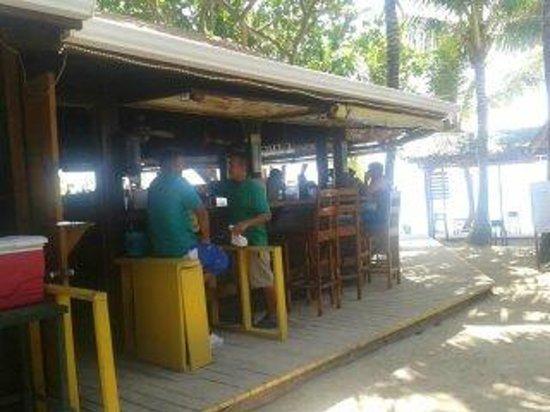 Bananarama Beach and Dive Resort: el Bar