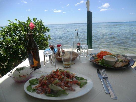 Snack Mahana: scenic seaside lunch