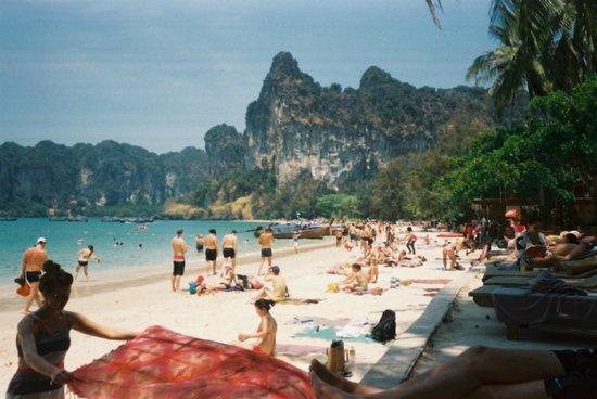 Railay Bay Resort & Spa : Railay beach from pool