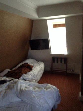 The Kings Hotel: bedroom 244