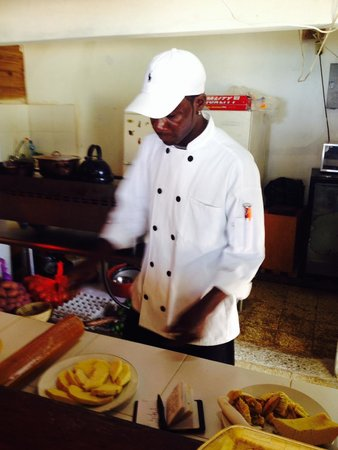 Firefly Beach Cottages: Paulo, our chef!