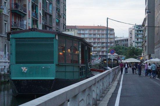 Navigli Lombardi : Happy Hour barge restaurant 2
