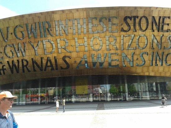 Wales Millennium Centre: The outside