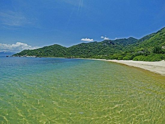 Six Senses Ninh Van Bay : beach view