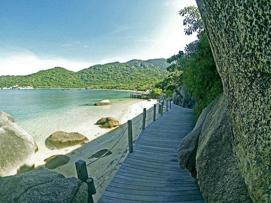 Six Senses Ninh Van Bay : way down to the beach