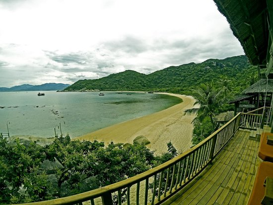 Six Senses Ninh Van Bay : view by the bar