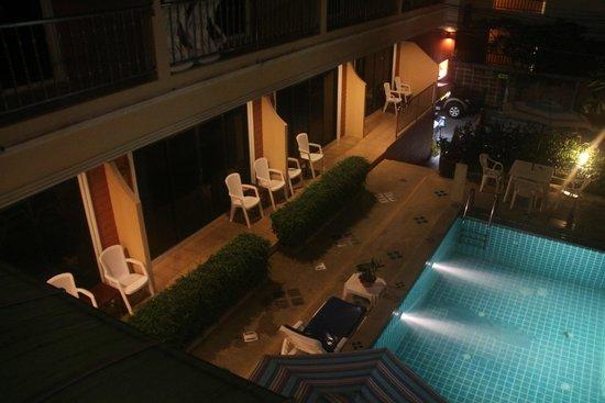 Seven Seas Hotel: вид
