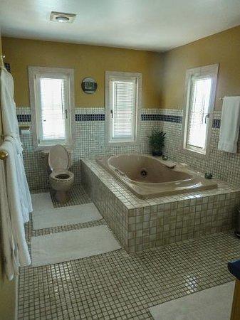 Bella Villa Messina Bed and Breakfast: A bathroom