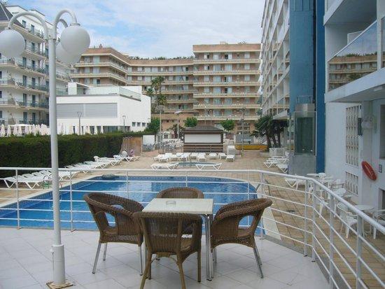 Hotel Riviera: Вид с террасы отеля