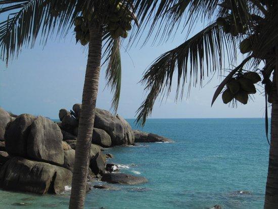 Crystal Bay Beach Resort : het noordelijke eind van de baai