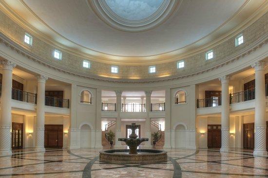 Hotel Colonnade Coral Gables, a Tribute Portfolio Hotel: The Routunda