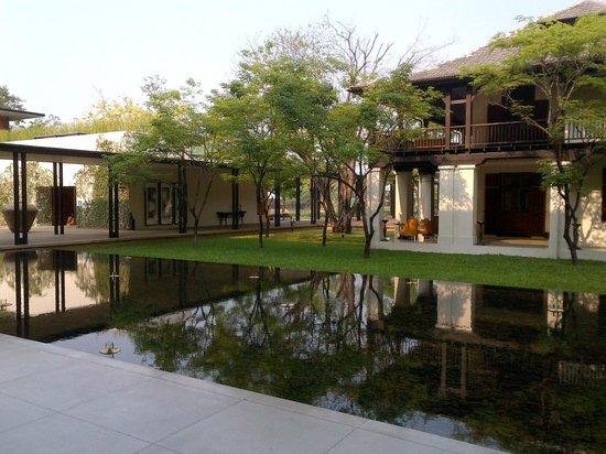 Anantara Chiang Mai Resort: Giardino interno