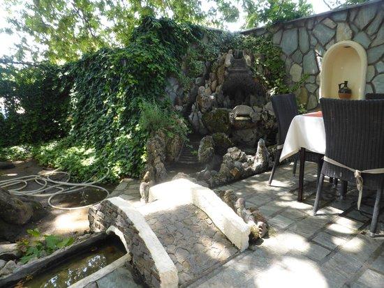 Gjoko Javor Mrzenci: Garden