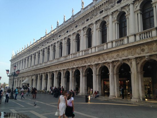 Piazza San Marco (Place St Marc) : Lugar Impressionante, arquiteturas, piazza enormes