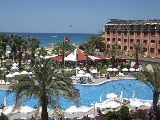 Annabella Diamond Hotel: вид из нашего номера