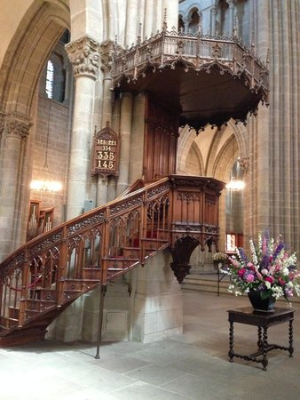 Kathedrale St-Pierre: a very beautiful staircase