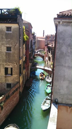 Locanda San Barnaba: View from 2nd floor hallway balcony