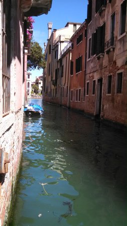 Locanda San Barnaba: View toward Grand Canal from hotel's private dock