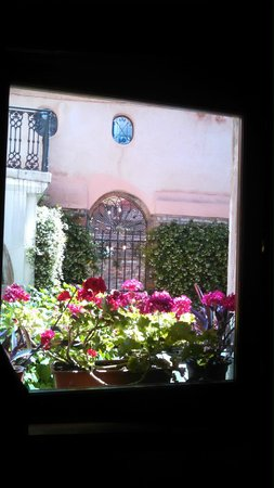 Locanda San Barnaba: View of breakfast area