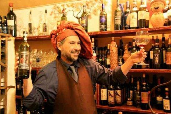 Accademia del Buon Gusto : host, Stefano, shares his love of Chianti