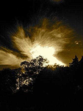 Creacon Wellness Retreat: Sky Over Creacon Lodge Wellness Centre