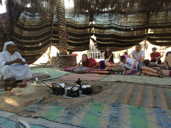 Kfar Hanokdim: Lounging under the tent during the Bedouin presentation