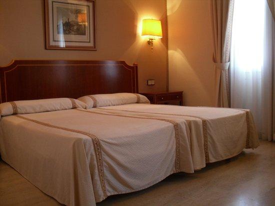 Ayre Hotel Cordoba: LA CHAMBRE