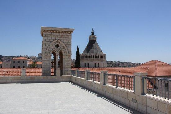 Sisters of Nazareth Convent: Soeurs de Nazareth - la terrasse sur les toits